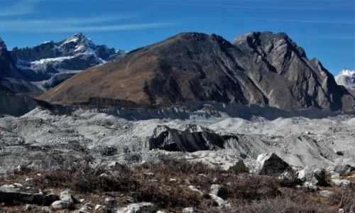 NEPAL / Himalaje / Lodowiec Ngozumpa / Gokyo Ri