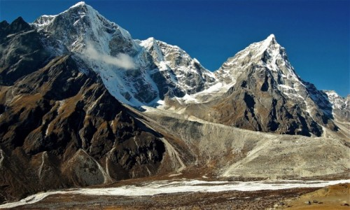 Zdjecie NEPAL / Himalaje, rejon Ama Dablam / osada Dusa / Taboche Peak i Arakam Tse