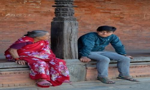Zdjęcie NEPAL / Dolina Katmandu / Bhaktapur / pokolenia...