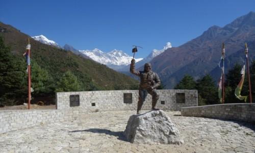Zdjęcie NEPAL / Park Narodowy Sagarmatha / Namche Bazar / Tenzing Norgay
