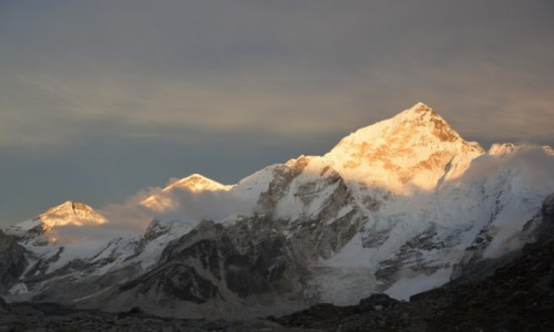 NEPAL / - / himalaje / zlota godzina