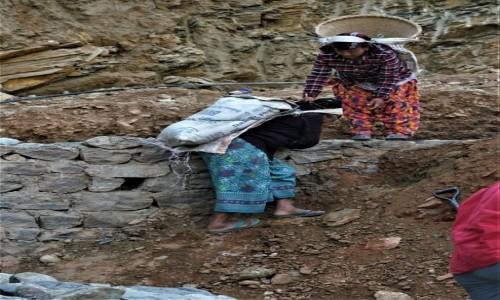 Zdjecie NEPAL / Pokhara / Miasto Pokhara / Inny wymiar pracy...