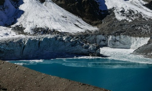 Zdjecie NEPAL / Khangsar / Tilicho lake / Icefall