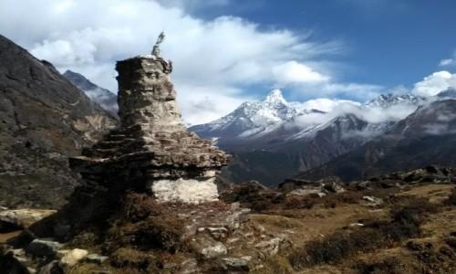 NEPAL / Himalaje / region Everestu / Kamienna stupa