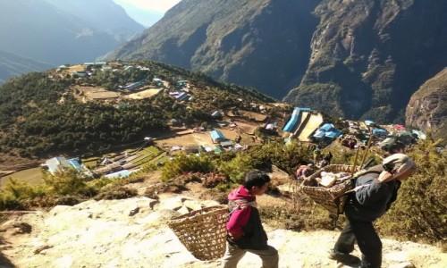 Zdjecie NEPAL / Himalaje / region Everestu / Na szlaku