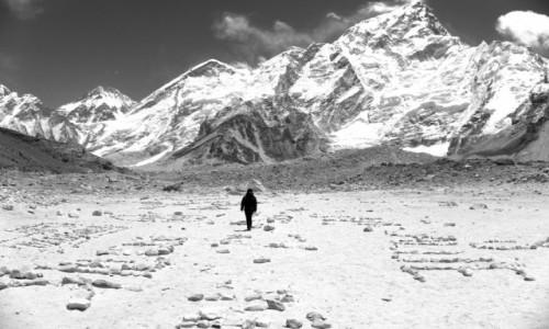 Zdjecie NEPAL / Park Narodowy Sagarmatha / Gorak Shep / Przestrzeń w górach