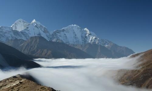 NEPAL / - / Himalaje / chmury