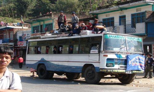Zdjecie NEPAL / Dolina Kathmandu / Gdzieś w Nepalu / Miejscowy PKS