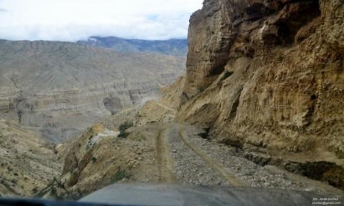 NEPAL / UpperMustang / okolice Samar / Droga