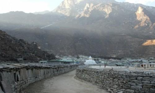 Zdjęcie NEPAL / Khumbu / Khumjung / Mani walls