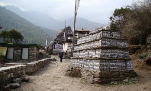 Zdjecie NEPAL / Khumbu / Dolina Dudh Koshi / Mantra,mantra, mantra
