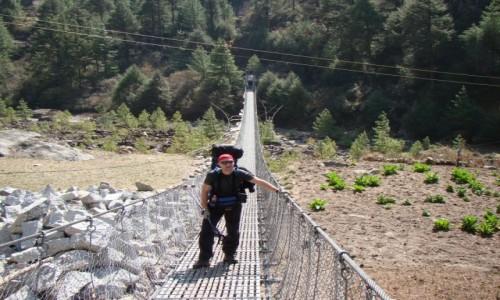 NEPAL / Khumbu / Dolina Dudh Koshi / Most wiszący na Dudh Koshi