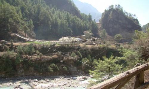 Zdjecie NEPAL / Khumbu / Himalaje / Most wiszący na Dudh Koshi