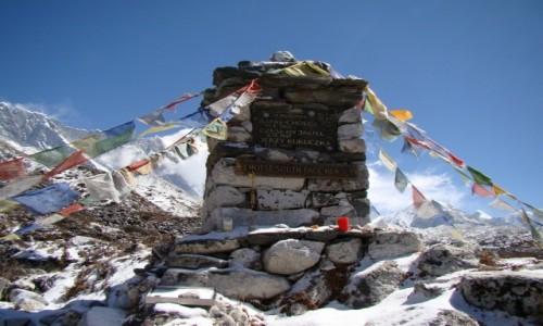Zdjecie NEPAL / Himalaje / Dolina Imja Khola / Czorten pod Lhotse