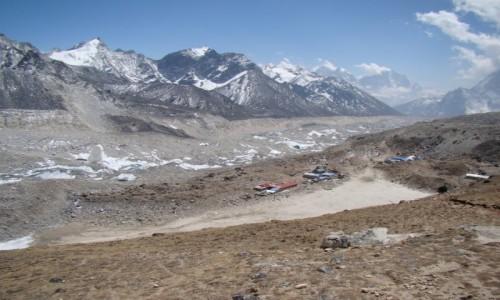 Zdjecie NEPAL / Himalaje / Szlak na Kala Pattar / Dolina Khumbu i wioska Gorak Shep