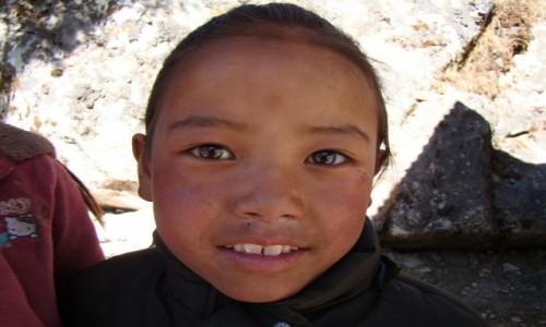 Zdjecie NEPAL / Himalaje / Pangboche / Dziewczynka z Pangboche