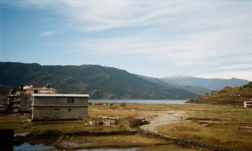 Zdjecie NEPAL / Pokhara city / Lakeside / Spokojna Pokhara, uciekajac wzdluz Lakeside