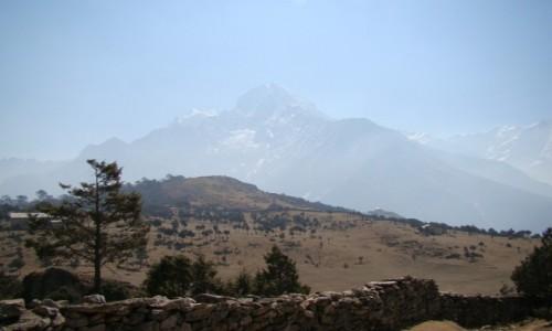 Zdjecie NEPAL / Himalaje / Khumjung / Thamserku