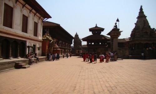 NEPAL / Kathmandu / Bhaktapur / Tego chyba już nie ma po trzęsieniu ziemi w 2015