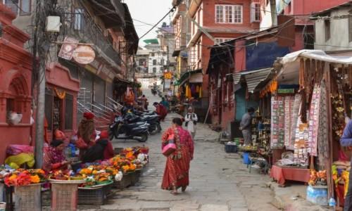 NEPAL / Katmandu / Katmandu / Ulica w Katmandu