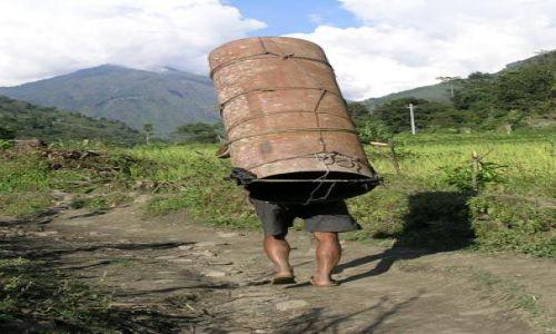 Zdjecie NEPAL / Annapurna / Bahudanda / Bieg z rurą - zawodnik nr 1