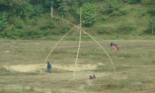 Zdjecie NEPAL / Dolina Kathmandu / Kathmandu / Huśtawka