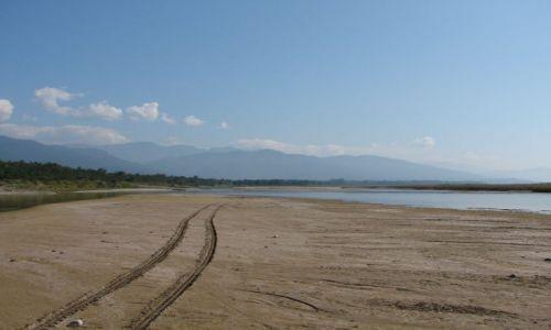 Zdjecie NEPAL / Dolina Kathmandu / Chitwan Park / Koryto rzeki