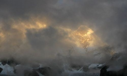 NEPAL / Annapurna Sanctuary / Annapurna Base Camp 4130 mnpm / Annapurna I (budzi się ...)