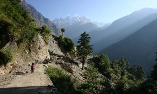 Zdjecie NEPAL / Masyw Annapurny / W drodze do Marphy / Trekingowy poranek