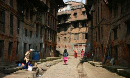Zdjecie NEPAL / Bhaktapur / Okolice Durbar Square / Zaułki Bhaktapur