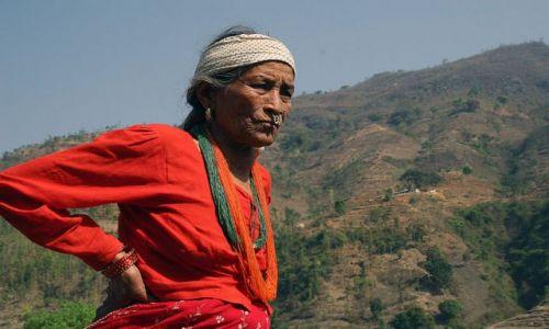 Zdjęcie NEPAL / brak / W drodze do Katmandu / Nepalka