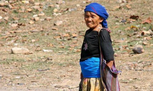 Zdjęcie NEPAL / brak / W drodze do Katmandu / Nepalka 2