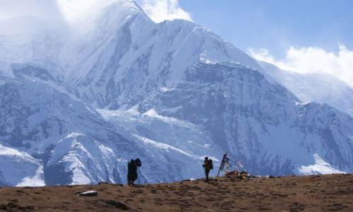 NEPAL / masyw Annapurny / Himalaje / Na krawędzi