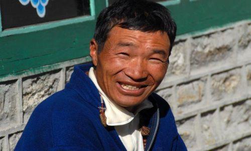 Zdjecie NEPAL / Khumbu Valley / Namche Baazar lotnisko / Ang Thsering Sherpa - nasz przewodnik