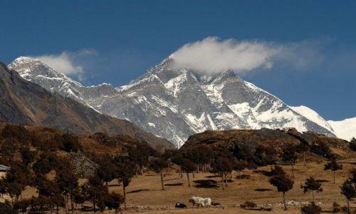 Zdjęcie NEPAL / Khumbu Valley / Khunde / Mt.Everest z Lhotse