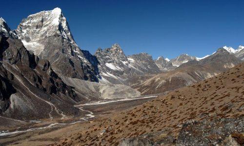 Zdjecie NEPAL / Khumbu Valley / Nepal / Cholatse 6440m z lodowcem Chola