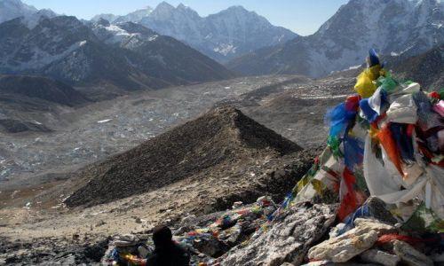 Zdjęcie NEPAL / Khumbu Valley / Nepal / lodowiec Khumbu widziany z Kalapatthar