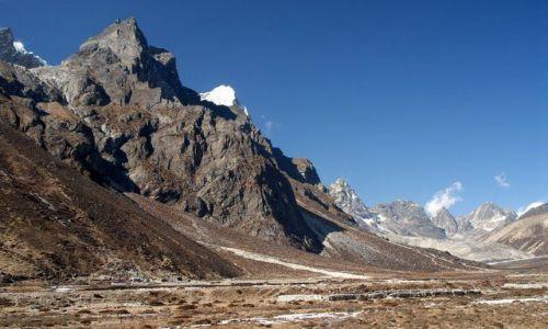 NEPAL / Pheriche Valley / Nepal / Pheriche valley okolo 4400m