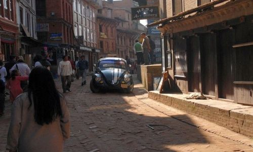 Zdjęcie NEPAL / Kathmandu valley / Bahktapur City / garbus pod siedziba NASA ;)
