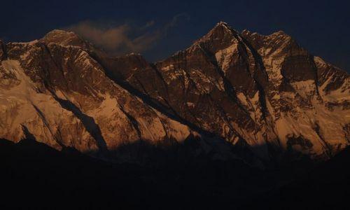 Zdjęcie NEPAL / Himalaje Npelau / Solo Khumbu- Everest trekking / Południowa ściana Lhotse