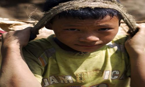 Zdjecie NEPAL / wokół Annapurny / Bagarchap / Chłopiec z Bagarchap