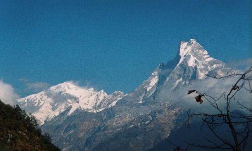 NEPAL / Masyw Annapurny / Tadapani / Machhapuchhre - święta góra Nepalu