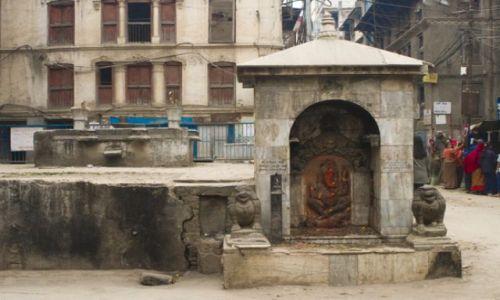 Zdjecie NEPAL / Kathmandu / Jeden z wielu placy / Świątynie w Kathmandu 3