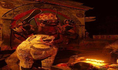 Zdjecie NEPAL / Kathmandu / Durban Sq. / Może mała ofiar