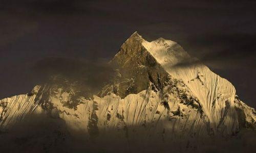 NEPAL / Annapurna Sanctuary / trekking / Machhapuchhre 6993