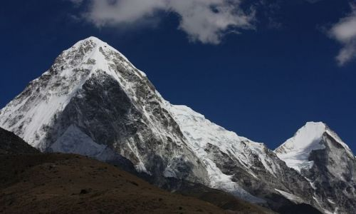 NEPAL / - / Pumo Ri i Lingtren - widok z Thokla Pass / Dwie góry