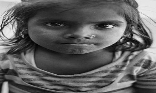 Zdjecie NEPAL / Kathmandu / Kathmandu Thamel / Dziewczynka z ulicy