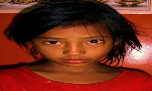 Zdjecie NEPAL / himalaje / kathmandu / dziewczynka