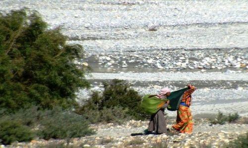 Zdjecie NEPAL / brak / gdzies na szlaku.. / z tobołami do miasta
