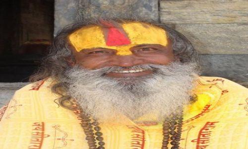 Zdjecie NEPAL / Kathmandu / kompleks świątynny Pashupatinath / Sadhu... ale powiadają, że hochsztapler...